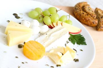 Apple-Cheese Lunch