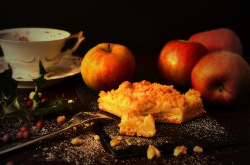 Fresh Apple Coffee Cake in Crock Pot