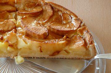 Norwegian Apple Pie Torte
