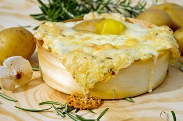 Baked Garlic with Blue Cheese and Rosemary