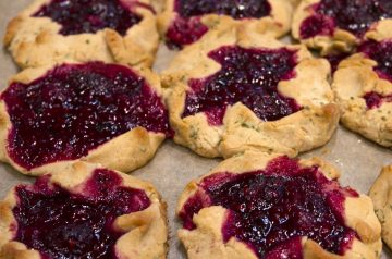Blueberry and Blackberry Pie
