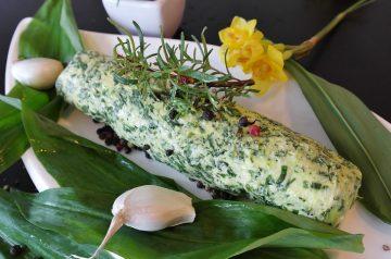 Garlic-Pepper Encrusted Buffalo Steaks With Wild Mushroom Sauce
