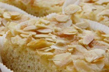 Samali ( Semolina and Ground Almond Cake)