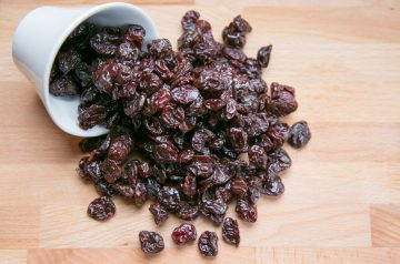 Pearl Onions With Dried Cherries