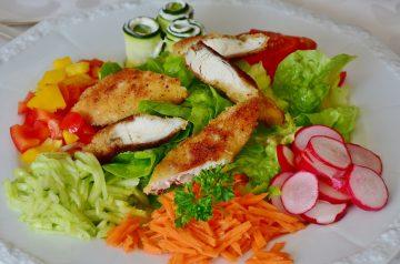 Chicken and Broccoli Salad with Gorgonzola Dressing