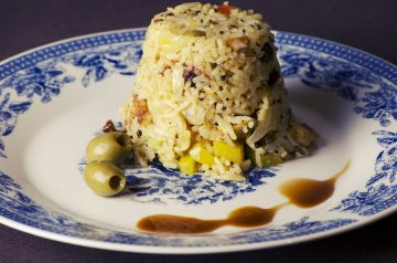 Spanish Chicken With Rice and Olives