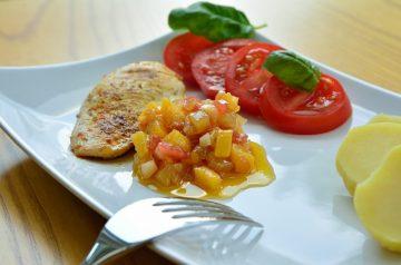 Chicken in Mango and Wine Sauce