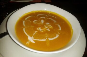 Chilled Curried Yellow Squash Soup
