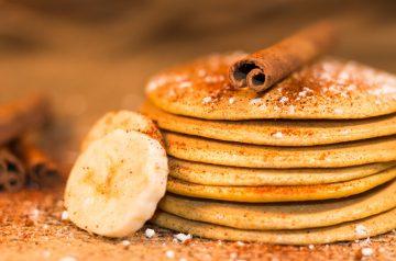 Vegetarian Banana Cinnamon Pancakes