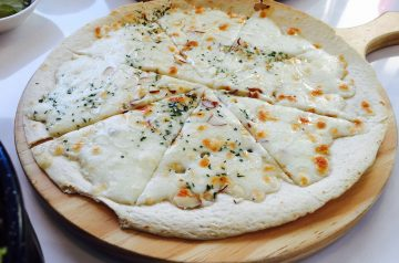 Bruschetta With Gorgonzola Cheese and Honey