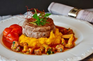 Fillet Steak With Pepper Cheese Sauce