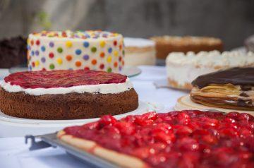 French Applesauce Cake