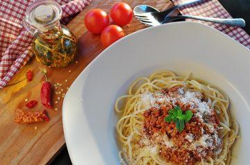 fresh tomato and garlic pasta sauce