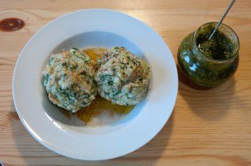 German Bread Dumplings (Semmelknodel )