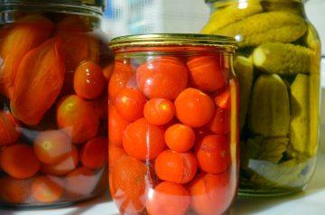 Marinated Summer Tomatoes