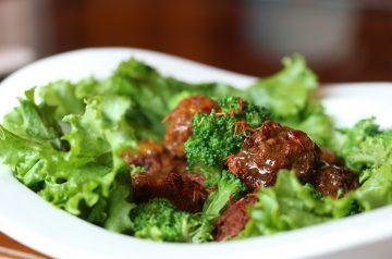 Easy and Delicious Strawberry Broccoli Salad