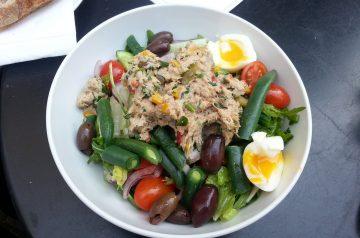 Mostly Healthy Tuna 'n Veggie Salad