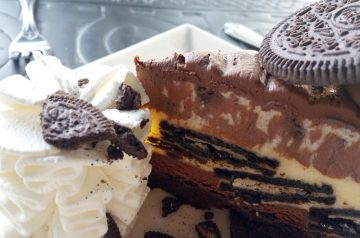Hot Fudge Oreo Gourmet Cheesecake