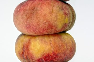 Peach Melba Sundaes