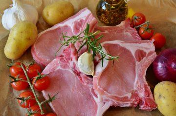 Pork Chops In Onion 'N Garlic Gravy