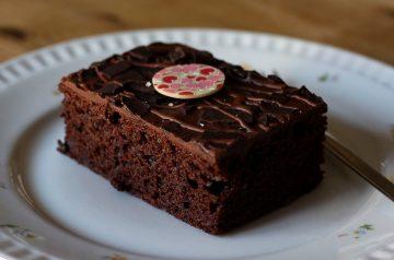 Rich Chocolate Brownie Cake