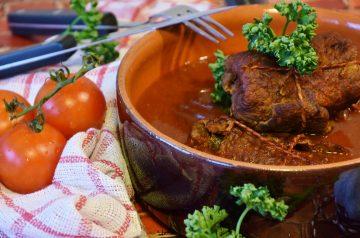 Turkey or Lean Beef Meat Sauce (Optional Crock Pot)