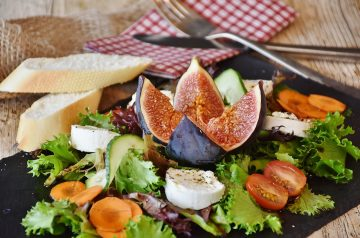 Figs With Herbed Goat Cheese