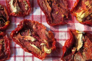 Sauteed Zucchini and Mushroom with Sun-Dried Tomatoes