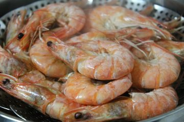Steamed Shrimp With Corn and Edamame