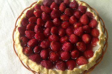 Easy Fresh Strawberry Pie  1951