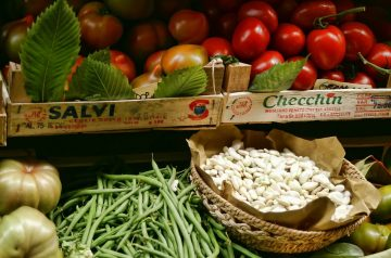 Tuscan Beans and Tomatoes