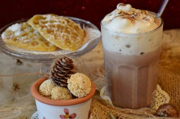 Vanilla-Spiked Hot Cocoa