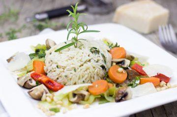 Vegetarian Rice Noodles With Seasonal Vegetables