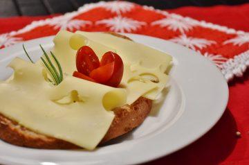 Tutmanik (Cheese Bread )
