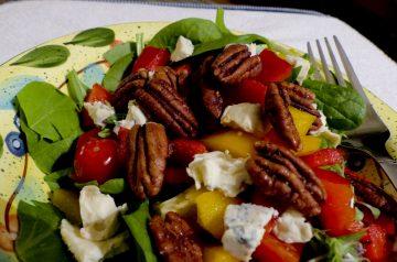 Exhibition Salad With Meringue-Baked Pecans